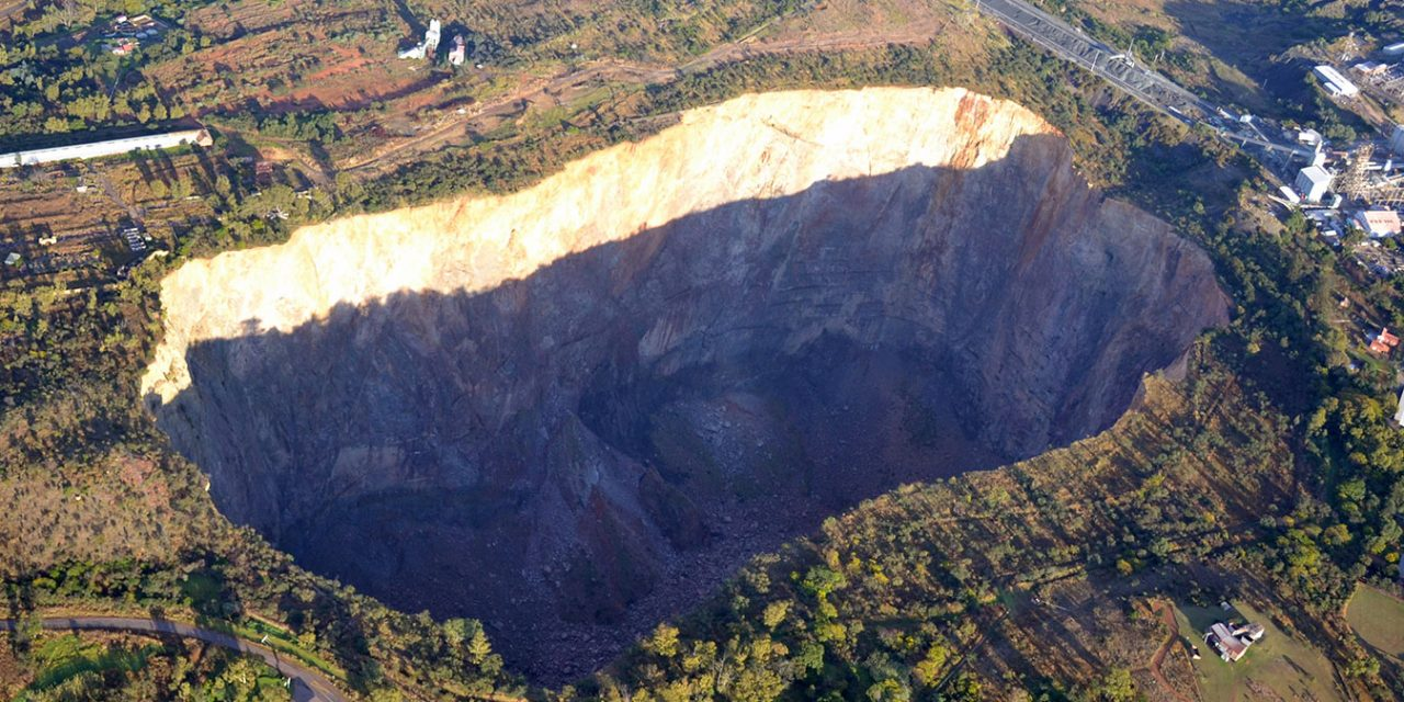 https://www.southafricaguidedtours.com/wp-content/uploads/2020/09/Cullinan-Diamond-Mine-Tour_banner-1280x640.jpg