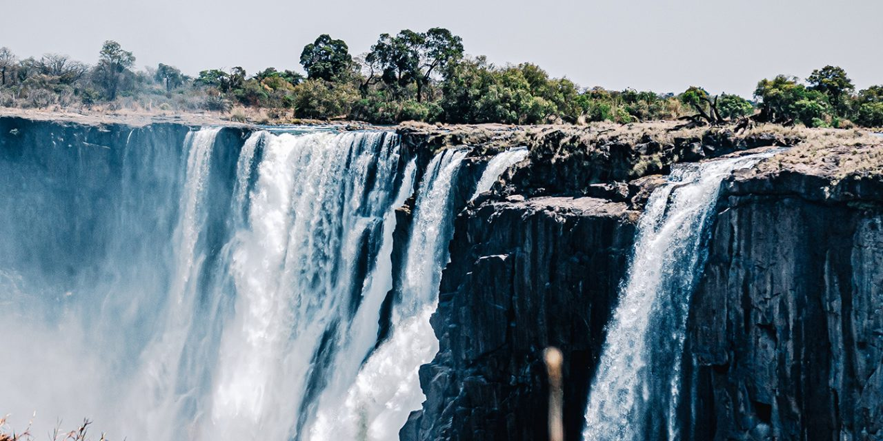 https://www.southafricaguidedtours.com/wp-content/uploads/2020/09/Tour-of-the-Victoria-Falls_banner-1280x640.jpg